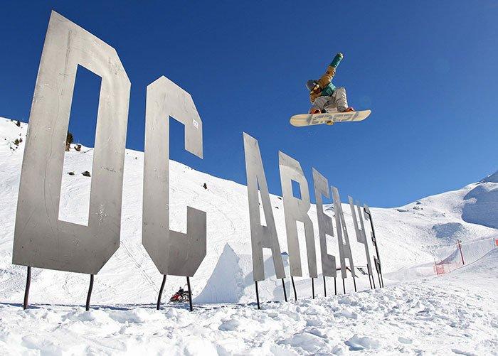 DC Area snowboarding sign in Meribel